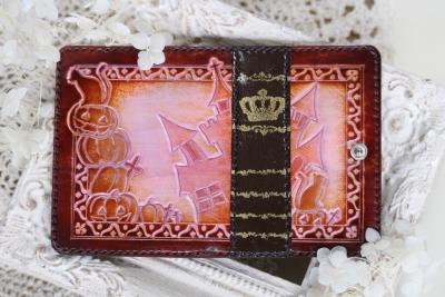 ピンクの本革キーケース