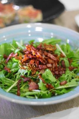 水菜とカリカリベーコンのサラダ