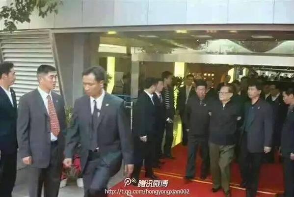微博(中国版SNS)には江沢民の逮捕写真が出ている