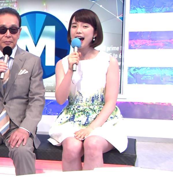 弘中綾香 太ももキャプ・エロ画像
