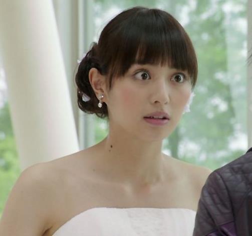 内田理央 セクシードレスキャプ・エロ画像9