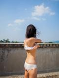 中国美少女 濡れシャツ透け乳首画像 3