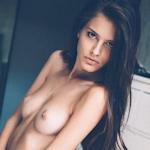 イタリアの写真家 Emanuele Ferrari(エマヌエーレ・フェラーリ)が撮影した美女モデルのヌード画像