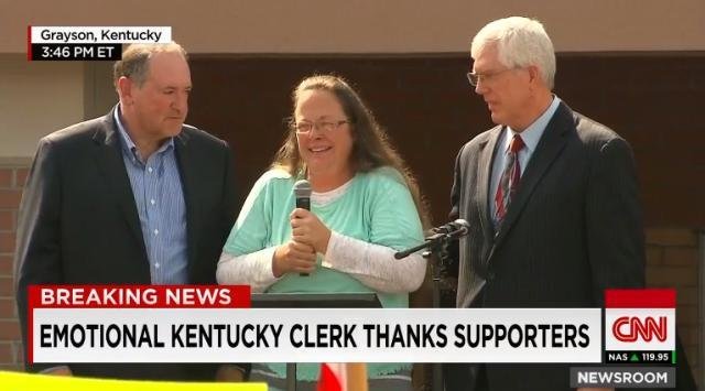 kentucky-clerk-thanks-supporters.jpg