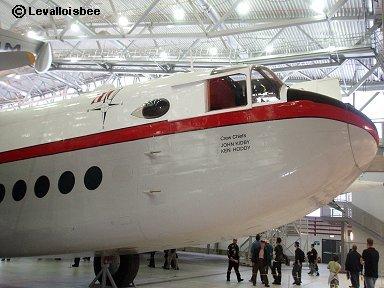 ちょっとユーモラスなヨーク輸送機の「顔」downsize