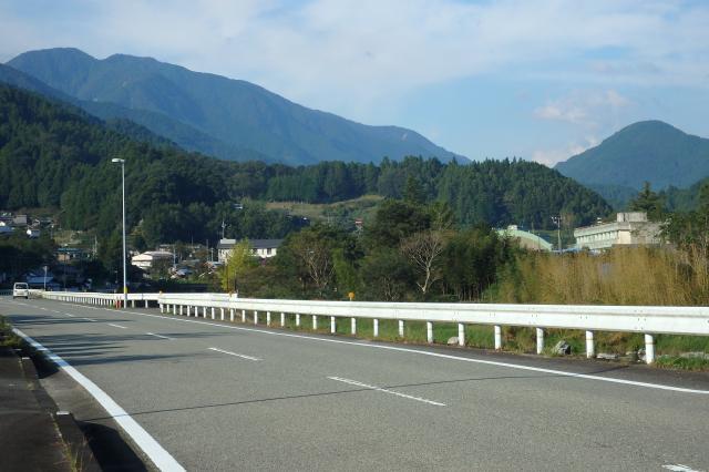 剣山地の主稜線の北側の神山町