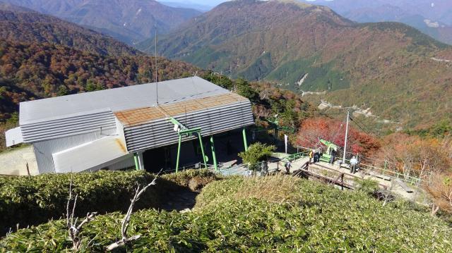 登山リフト山頂駅