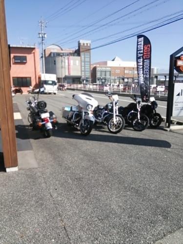 バイク屋に行こう
