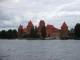 湖に建つトラカイ城