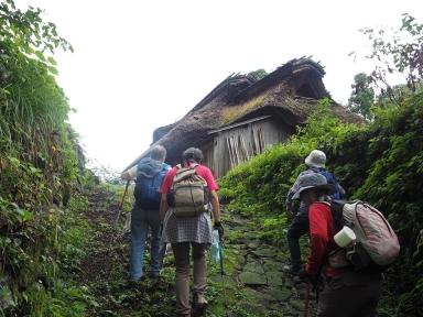 木の芽峠に残る一軒屋