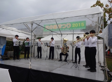 ジブリのテーマ曲も吹奏楽団の八重奏は