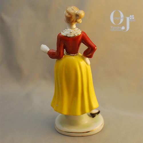 yellowskirt-4.jpg