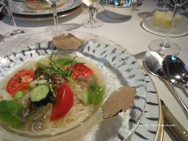 サラダそうめんのうま味こんぶ茶そえ 夏野菜とフレッシュミント、夏トリュフ添え