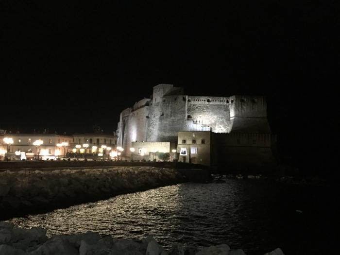 卵城の夜景