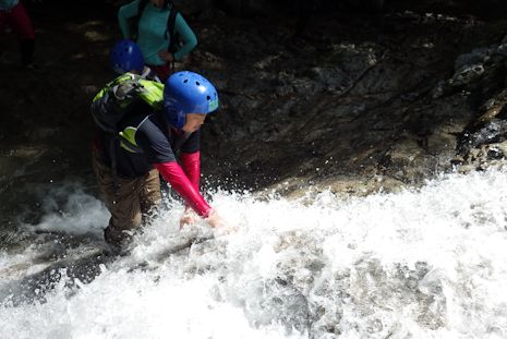 滝登りにチャレンジ