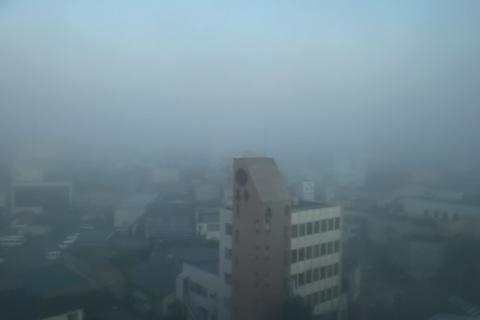 霧に包まれる北上市内