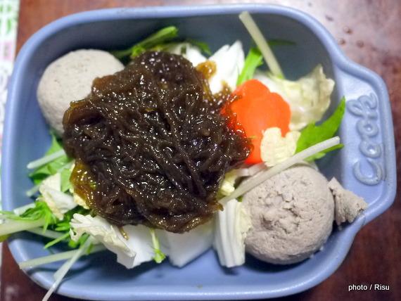 つみれともずくの味噌鍋-フェリシモ耐熱プレート料理