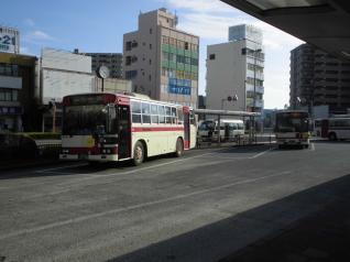 焼津駅前のバス