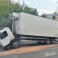 壊れたトラック