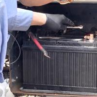 トラックのバッテリー
