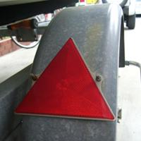 三角の反射板