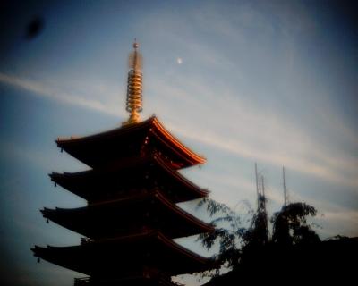 月と浅草寺・五重塔:Entry