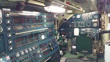 潜水艦運転席1
