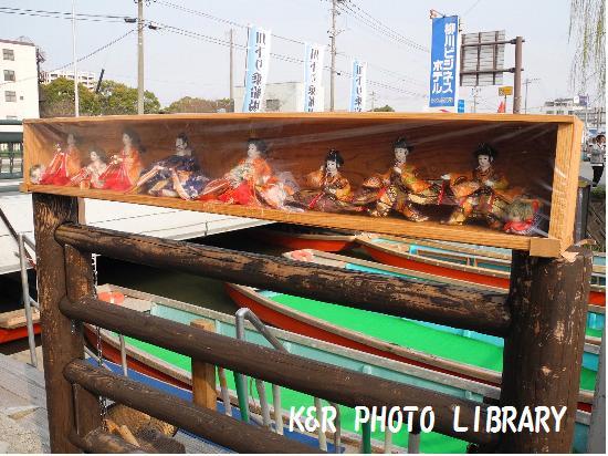 3月22日柳川ビジネスホテル前雛人形