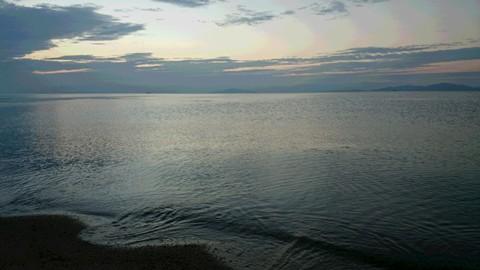 早朝の琵琶湖