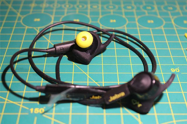 Jabra_Sport_Pulse_Wireless_02.jpg