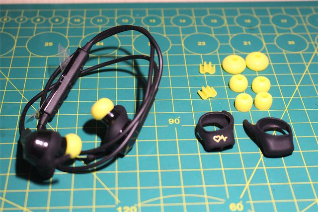 Jabra_Sport_Pulse_Wireless_08.jpg