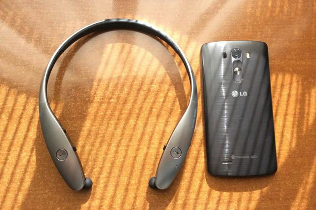 Neckband_Bluetooth_Earphones_02.jpg
