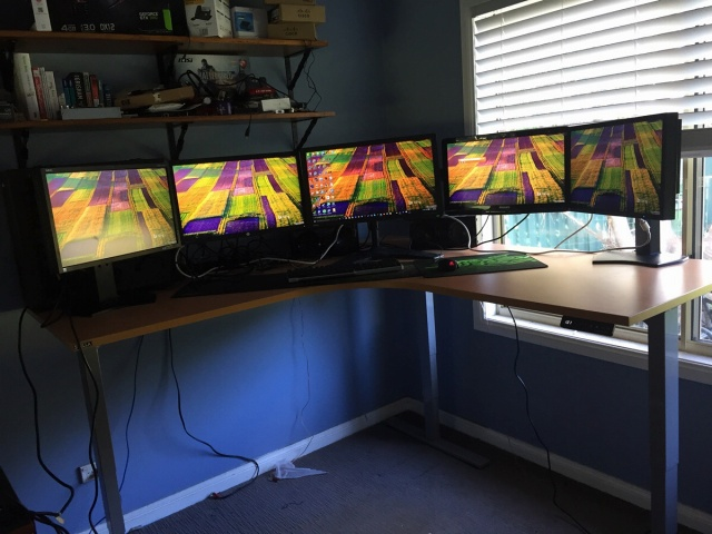 PCdesk_MultiDisplay53_12.jpg
