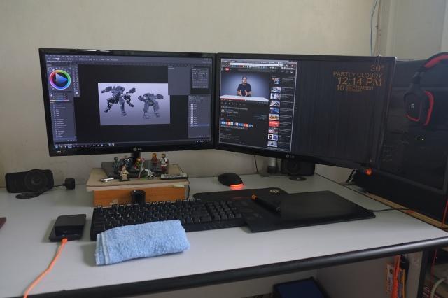 PCdesk_MultiDisplay55_45.jpg