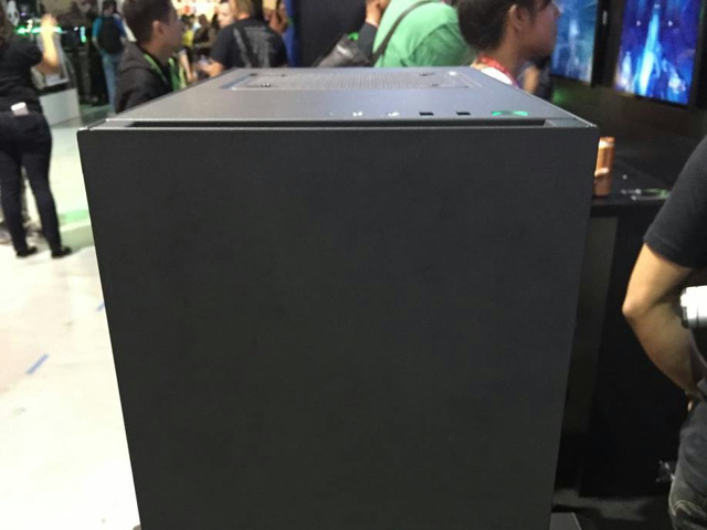 S340_Designed_by_Razer_02.jpg