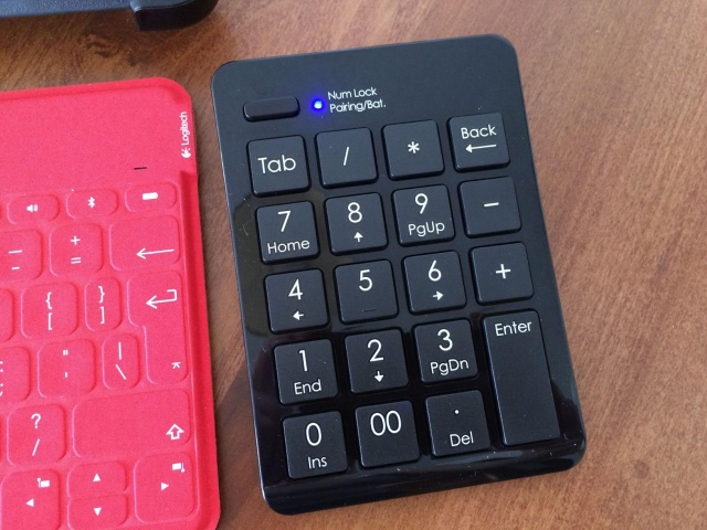 Satechi_Bluetooth_Keypad_02.jpg