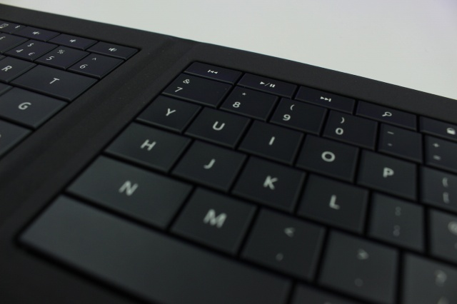 Universal_Foldable_Keyboard_11.jpg