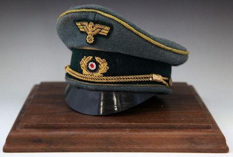 Josef Brannowsky_miniature cap_WH_general_01