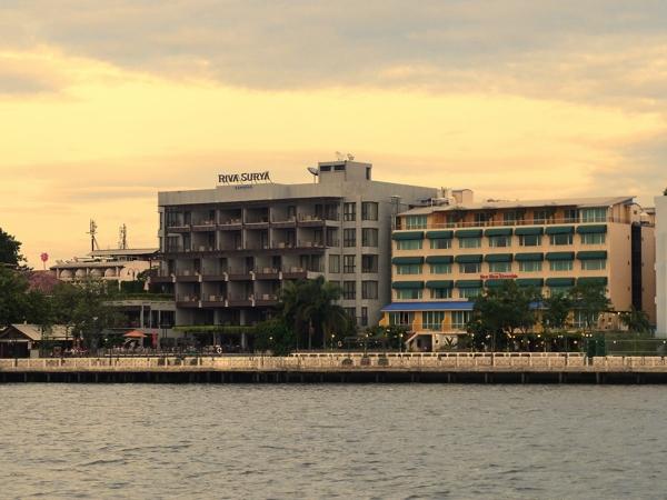 チャオプラヤ沿いのホテル