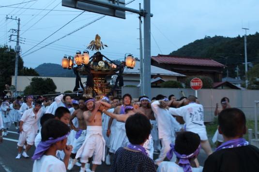 牛倉神社例大祭 入谷神輿 あばれ神輿