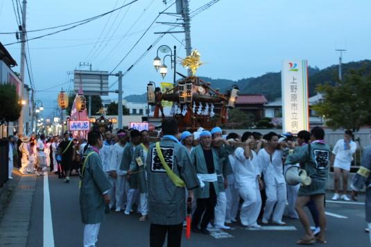 牛倉神社例大祭 入谷神輿 外観