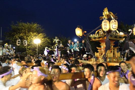 牛倉神社例大祭 入谷神輿 集結