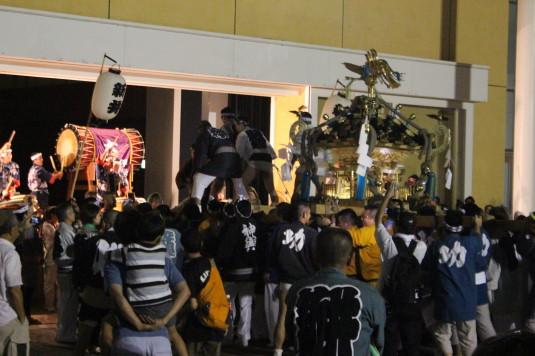牛倉神社例大祭 入谷神輿 市役所