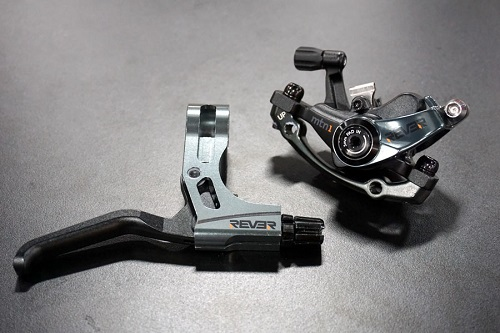 rever-mtn1-mechanical-disc-brake-caliper-with-dual-pad-movement01.jpg