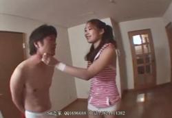 【M男】格闘美女にボコボコに痛めつけられる拘束白ブリーフたち…