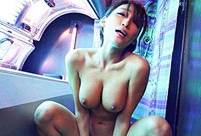 「もう腰止まんない!」媚薬オイルを塗られた巨乳ギャルが日サロを全裸で徘徊する衝撃映像
