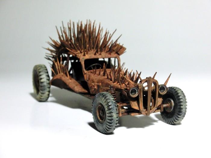 spikey_car_03.jpg