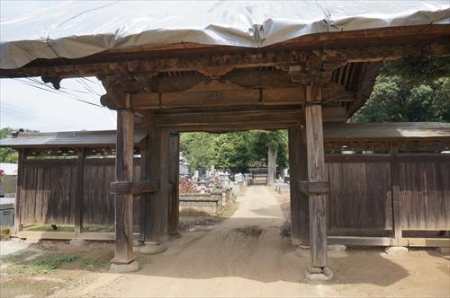 5円勝寺門