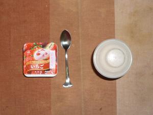 ダイエットプロテイン(イチゴ味),ヨーグルト