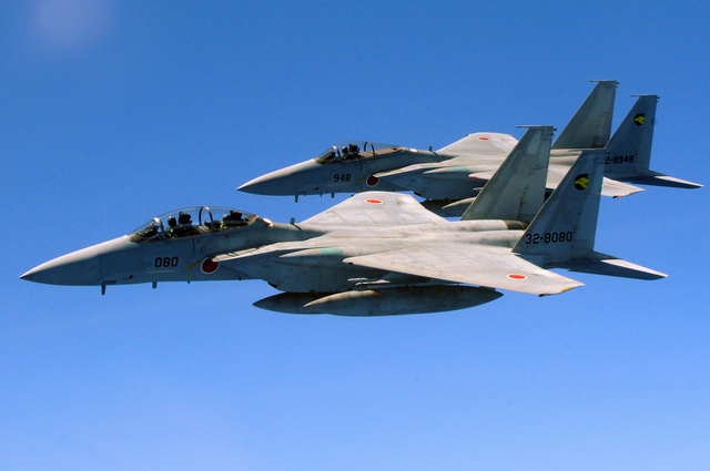 Two_Japan_Air_Self_Defense_Force_F-15_jets.jpg